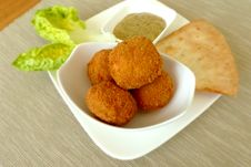 Free Brown Fried Dish On White Bowl Stock Photography - 109921732