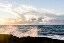Free Crushing Waves On Rocks Stock Images - 109922274