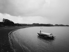 Free Grayscale Photo Of Row Boat Stock Photo - 109922710