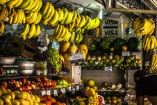 Free Assorted Fruit Display Stock Photography - 109922822
