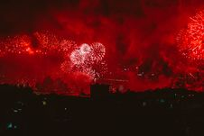 Free Red Fireworks Display Stock Images - 109922984