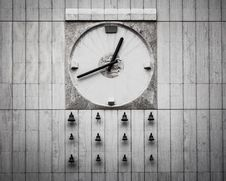 Free Analog Wall Clock With Bells Stock Photo - 109922990