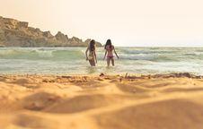 Free Photo Of Women Wearing A Bikini On Beach Royalty Free Stock Photography - 109923087