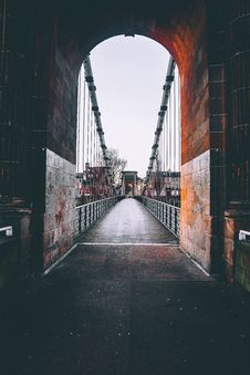 Free Brown Concrete Bridge Stock Photography - 109923122