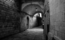Free Grayscale Photo Of Brick Walled Alley Royalty Free Stock Photo - 109923295