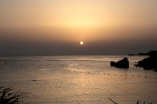 Free Scenic View Of Ocean During Dawn Royalty Free Stock Photos - 109923608