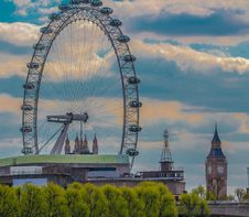 Free London Eye And Big Ben Tower Photo Stock Photography - 109923652