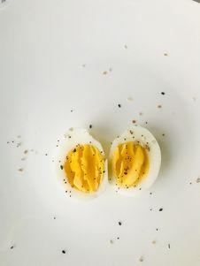 Free Sliced Boiled Egg On White Plate Stock Image - 109923781