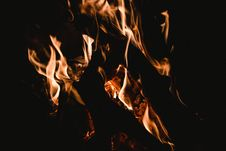 Free Blaze, Bonfire, Burn Stock Photo - 109923800