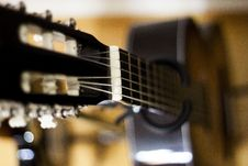 Free Selective Focus Photo Of Black Classical Guitar Royalty Free Stock Photos - 109923918