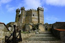 Free Castle Under Clear Blue Sky Stock Image - 109924051