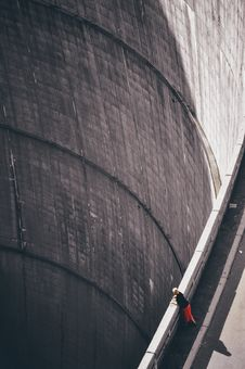 Free Woman Wearing Black Shirt Looking Down Through Hoover S Dam Stock Image - 109924271
