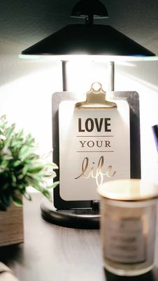 Free Love Your Life Clipboard Decor Royalty Free Stock Images - 109924839