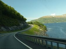 Free Concrete Road Near Body Of Water Royalty Free Stock Photography - 109924897