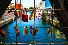 Free Assorted Padlocks Royalty Free Stock Images - 109925179