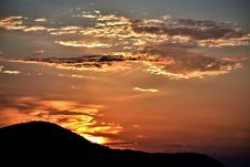 Free Mountain Ruin Silhouette During Golden Hour Royalty Free Stock Images - 109925439