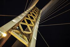 Free Low Angle Photography Of White And Yellow Suspension Bridge At Nighttime Royalty Free Stock Images - 109925719