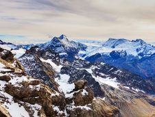 Free Photography Of Snowy Mountains Royalty Free Stock Photography - 109925737