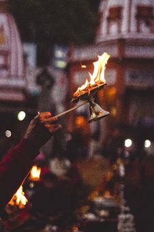 Free Person Holding Lamp With Flame Royalty Free Stock Photos - 109925738