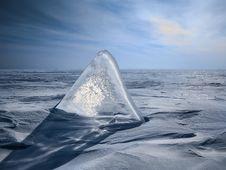 Free Triangular Ice In Sand Royalty Free Stock Photo - 109925825