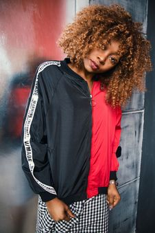 Free Woman Wearing Black And Red Zip-up Jacket Royalty Free Stock Photo - 109926515