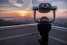 Free Coin-operated Tower Viewer On Rooftop During Sunset Royalty Free Stock Photo - 109926735