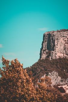 Free Gray Cliff Royalty Free Stock Images - 109927679