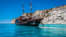 Free Brown Ship On Body Of Water Royalty Free Stock Photos - 109927858