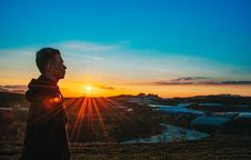 Free Photo Of A Man Wearing Hoodie During Sunset Royalty Free Stock Images - 109928779