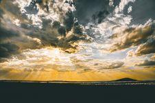 Free Landscape Photography Of Seashore During Sunrise Royalty Free Stock Image - 109928796