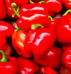 Free Bundles Of Red Bell Peppers Stock Photos - 109973303