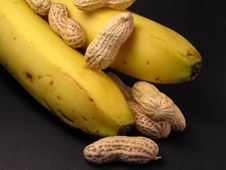 Free Peanuts And Bananas Royalty Free Stock Images - 114299