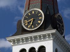 Free Clock On Steeple Of Old New England Church Royalty Free Stock Photo - 115665