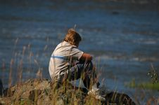 Free Boy Looking River Royalty Free Stock Photo - 1103025