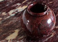 Free Ox Red Marble Vase Stock Image - 1105081