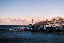Free White Lighthouse During Cloudy Day Royalty Free Stock Photo - 110109115