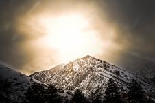 Free White And Black Mountain Photo During Sunset Royalty Free Stock Photography - 110109117