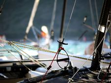 Free Shallow Focus Photography Of Black Boat Royalty Free Stock Photography - 110174317