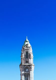 Free Gray Concrete Clock Tower Under Blue Sky Stock Photo - 110174460