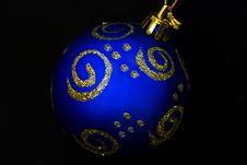 Free Blue Christmas Bauble Royalty Free Stock Photography - 11028457