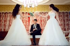 Free Woman Wearing White Strapless Wedding Dress Stock Photos - 110341953