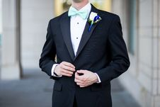 Free Man Wearing Black And Teal Tuxedo Royalty Free Stock Photo - 110418085
