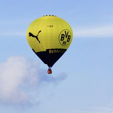 Free Hot Air Ballooning, Hot Air Balloon, Yellow, Sky Royalty Free Stock Images - 110614659