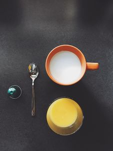 Free Orange And Milk Drink Stock Photos - 110655063