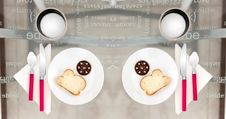 Free Two Round Plates With Sliced Breads On Top Royalty Free Stock Photo - 110655095