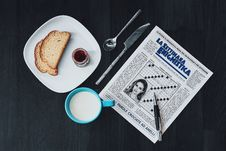 Free La Settimana Enigmistica News Paper Royalty Free Stock Photos - 110655098