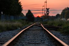 Free Shallow Focus Photography Of Railway During Sunset Royalty Free Stock Image - 110655266