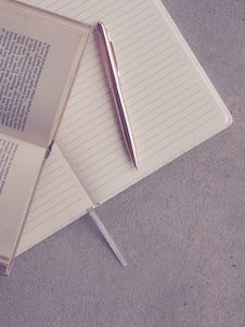 Free Book And Pen On Notebook Royalty Free Stock Images - 110796379