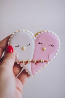 Free Heart-shaped White And Pink Cookie Royalty Free Stock Photography - 110885607
