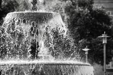 Free Fountain, Water, Black And White, Water Feature Stock Photo - 110936340